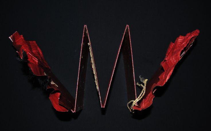 """Libro d'Artista """"Arkhaios"""". Sei tavole preziosamente ornate evocano antiche simbologie. Testimonianza di un arcaico universo mai dimenticato... alla II Mostra Internazionale del Libro d'Artista - PALAZZO NICOLACI - Via Corrado Nicolaci - NOTO - dal 7 al 23 AGOSTO 2015"""
