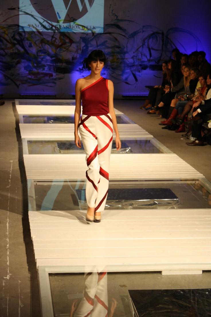 One-shouldered lycra top & banded satin pants
