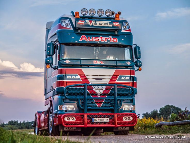 https://flic.kr/s/aHsk7Jp2gM   Dirk Wölki, VÖGEL Transporte, Nog Harder Lopik 2014   www.truck-pics.eu