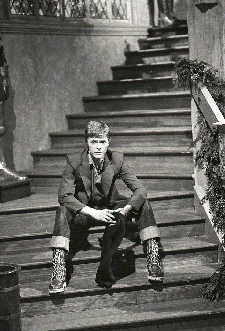 Singer David Bowie, 1977
