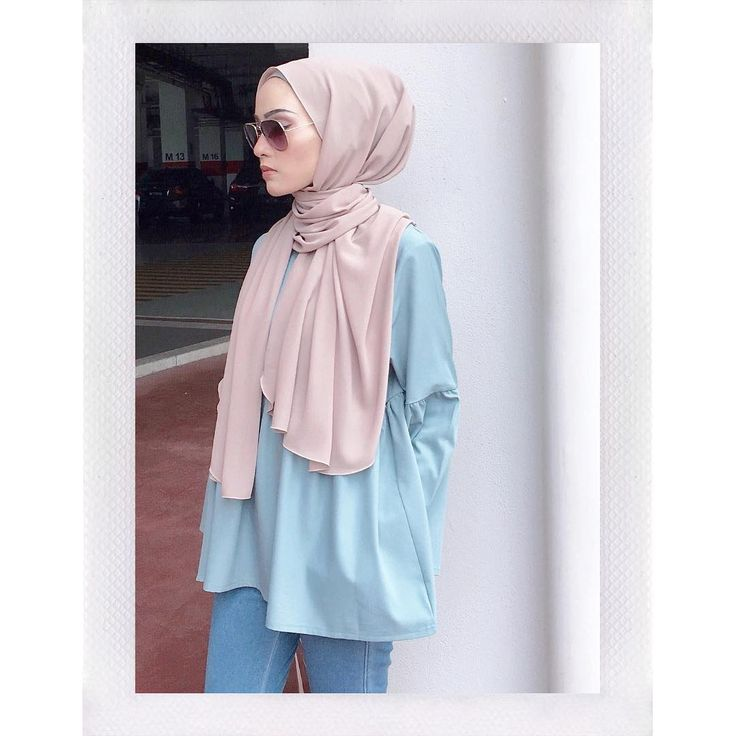 "1,872 Likes, 5 Comments - Minimal Is Chic (@lilfaraaaah) on Instagram: ""Beautiful top from @coudre.kl So prettaaaay! Love it  #giftforlilfarah"""