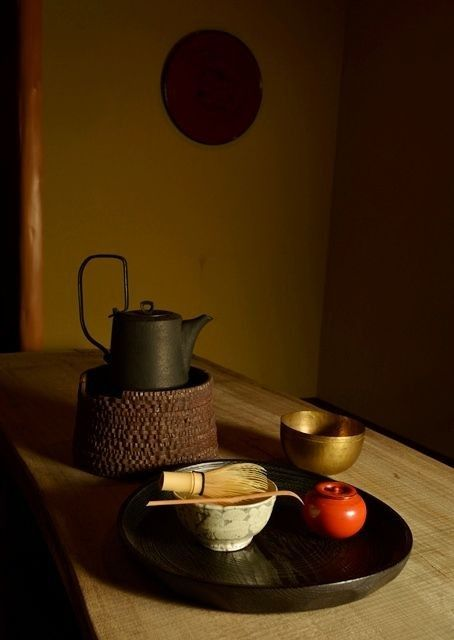 Tea Time 17 pics Superbcook.com Lacquer tray and tea caddy for tea ceremony by Jihei MURASE