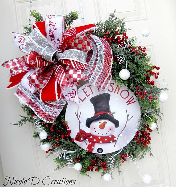 This fun Snowman grapevine mesh wreath has the perfect variety of cute and whimsical, rustic farmhouse and yet still has the traditional feel to it! This wreath is made using a 22 Grapevine wreath form. I have a large curl of mesh under a beautiful huge T