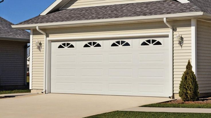 15 Best Chi Garage Doors Images On Pinterest Carriage