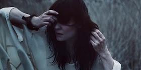 Stort og massivt av Rebekka Karijord  Fantastisk flott singel! Sjekk ut!