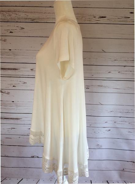 Lace Hem Short-Sleeve Top
