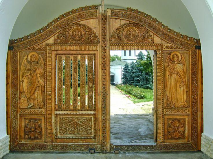 Wooden gates of the monasteries are beautiful (Zamfira Monastery)