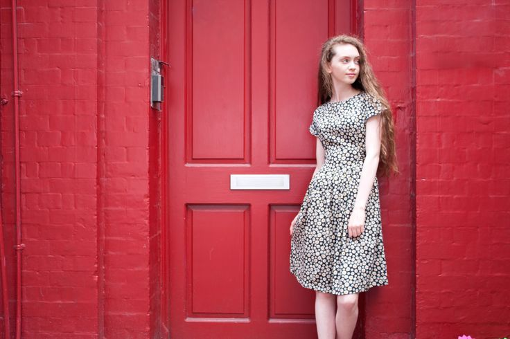 The daisy print Loretta dress from Circus #vintage #style #dress #daisy #door #dublin #red