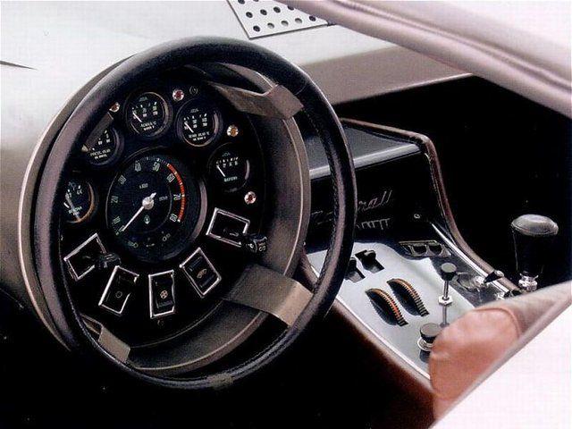 Maserati Boomerang. Craziest interior I've ever seen.artistic