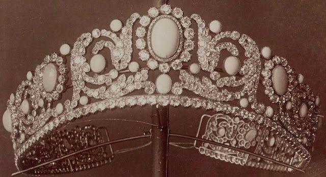 Tiara Mania: Duchess of Angouleme's Turquoise Tiara