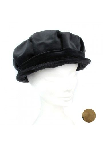 Questo berretto è perfetto per le donne. Il cappello è fatto in velluto di cotone.  Disponibile in grigio e beige. Il berretto è in tinta unita, quindi versatile negli accostamenti. Si può abbinare al qualsiasi vestito