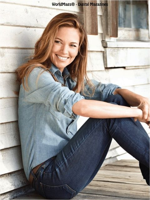 Diane Lane. 47 and still smokin hot.