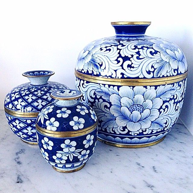 It was only a matter of time ... I'm talking about Blue and White beauties on the blog today