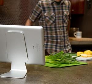 Slope, le support pour iPad que Jonathan Ive aurait pu inventer