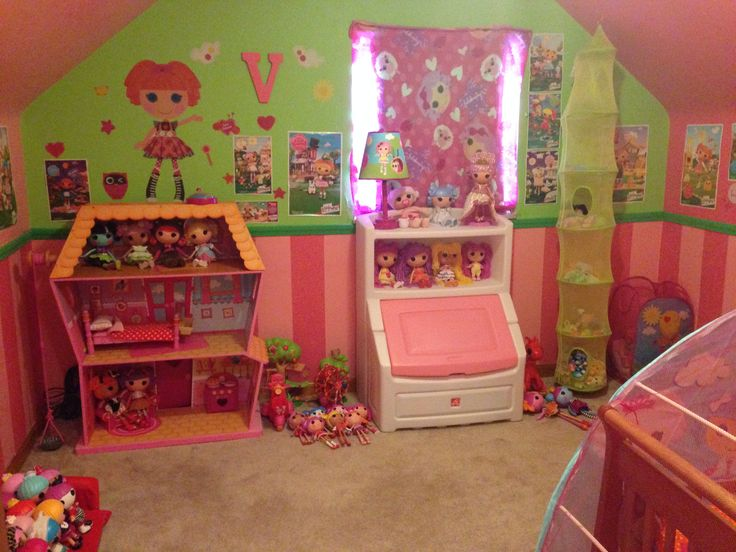 Wow  it s everything Lalaloopsy in this room. 17 Best images about Tori s Bedrooom ideas on Pinterest   Disney