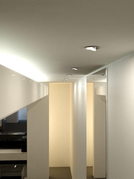 La cornice quadrata, disponibile per tutte le versioni da incasso, è realizzata in PMMA, una plastica ottica trasparente di alta qualità rivestita con una pellicola di colore a scelta, per adattarsi meglio all'ambiente circostante.