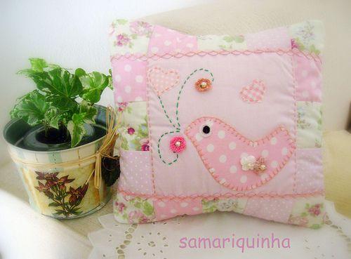 Para Alicia...   Mini-almofadinha 20x20, toda em patchwork, …   Flickr