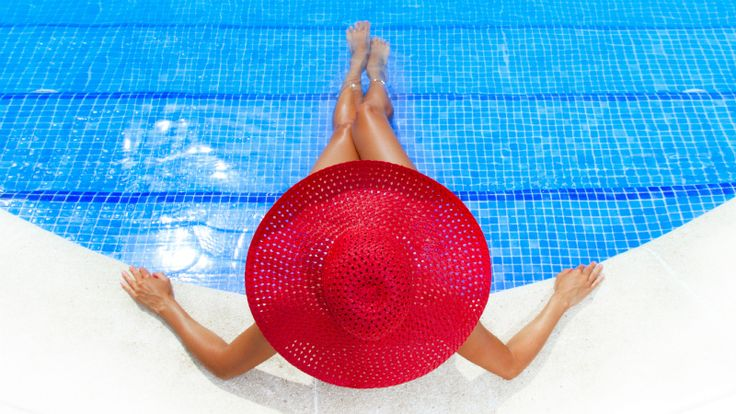 Weekend Beauty Hack: One DIY Sunburn Cure to Rule Them All