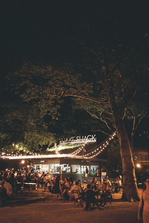 The Shake Shack in Madison Square Park | Nikola and Tamara on Flickr, August 2013, shakes, burgers, lunch