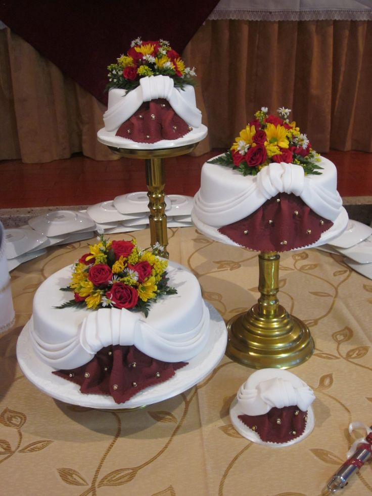 cakes married