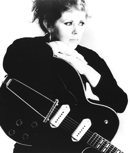 As great and, alas, as late. Lovely and wonderful Kirsty MacColl.