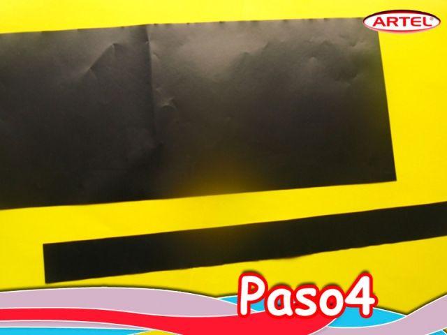 Paso 4: Marcar y cortar una cinta de 3 cm. de ancho por 55 cm. de largo de papel lustre negro Artel.