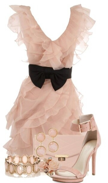 I think both...yes both would look lovely in this!