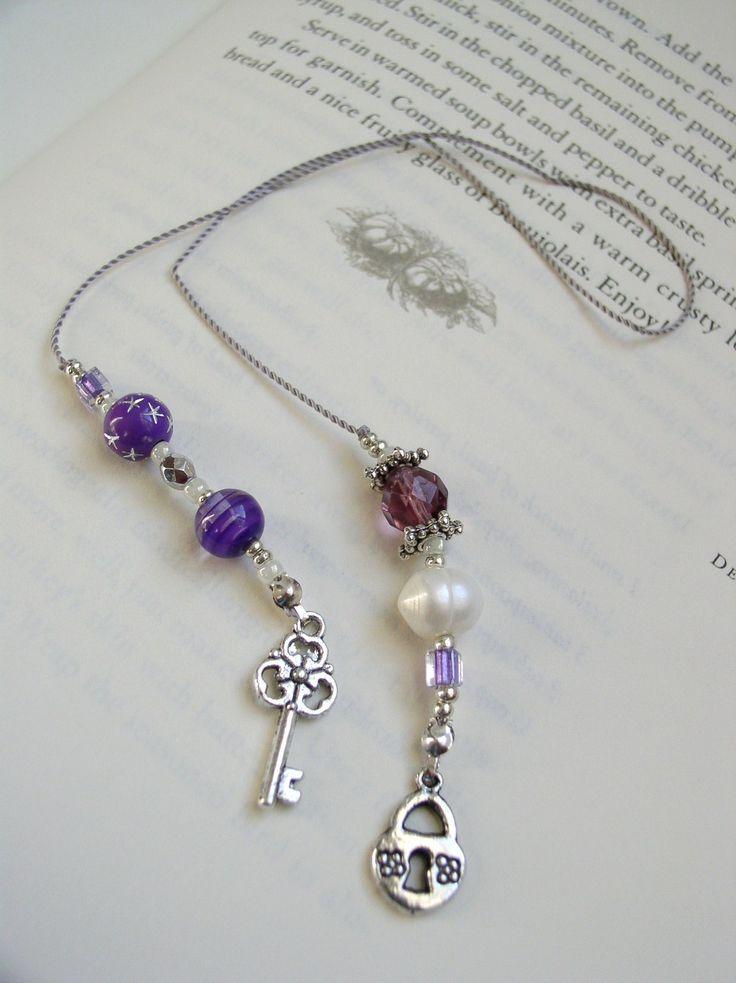 BEADED BOOKMARK - Skeleton Key Elegant Bookmark - Book Thong in Purple, Silver…