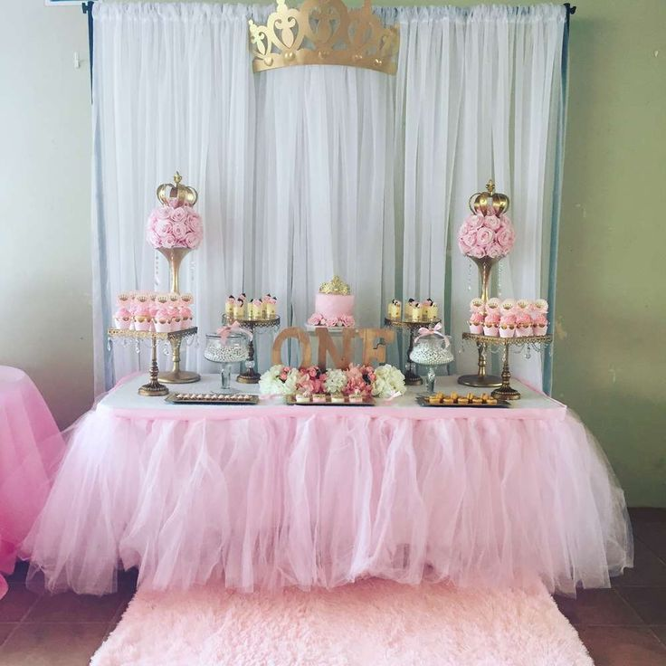 Best 25 birthday table decorations ideas on pinterest for Baby girl first birthday party decoration ideas