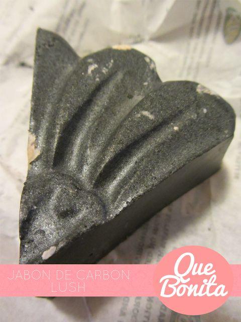 Día 1: Lush Jabón de Carbón http://www.quebonita.cl/2013/09/dia-1-lush-jabon-de-carbon.html