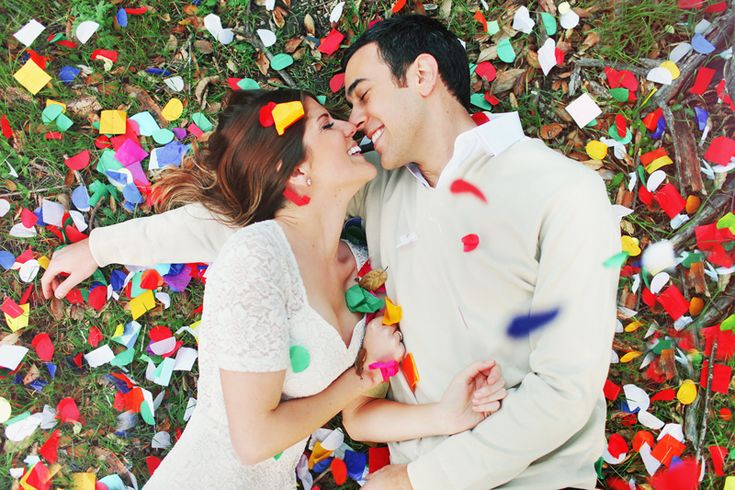engagement shoot with confetti