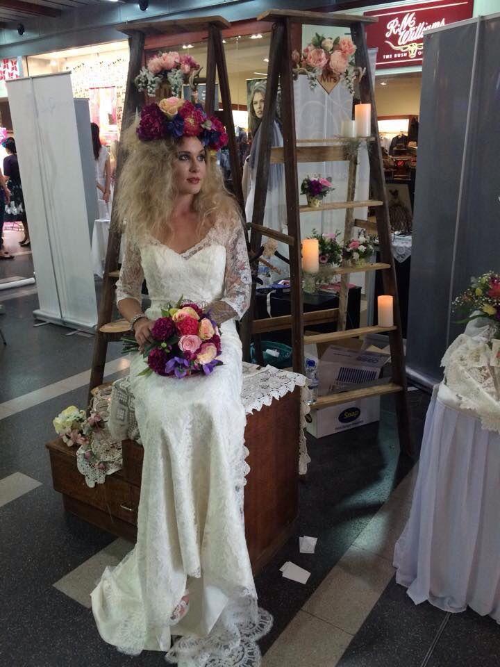 Live model for wedding display