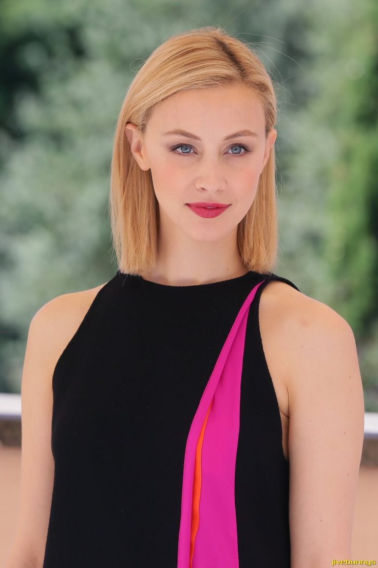 11 best Sarah Gadon images on Pinterest | Sarah gadon, Celebs and ...
