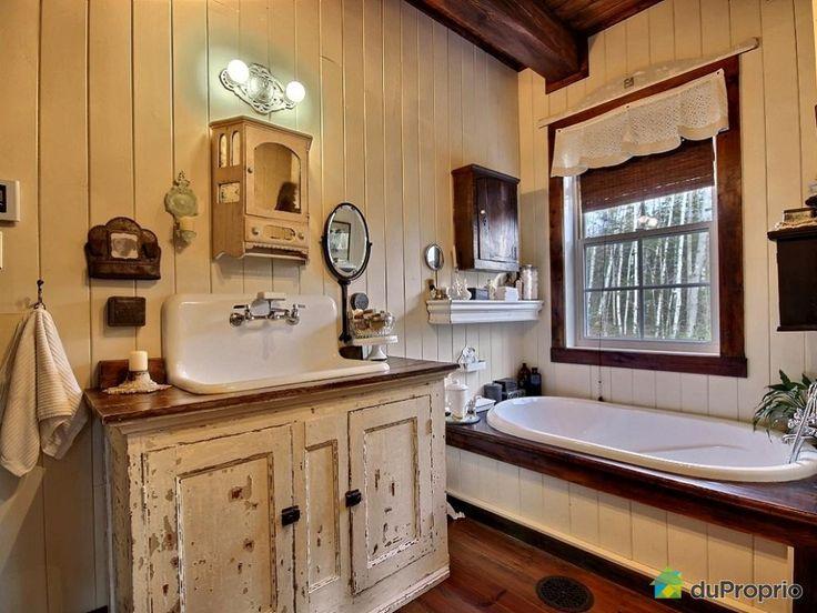 32 best ann e 1700 et 1800 images on pinterest antique - Vanite de salle de bain usage a vendre ...