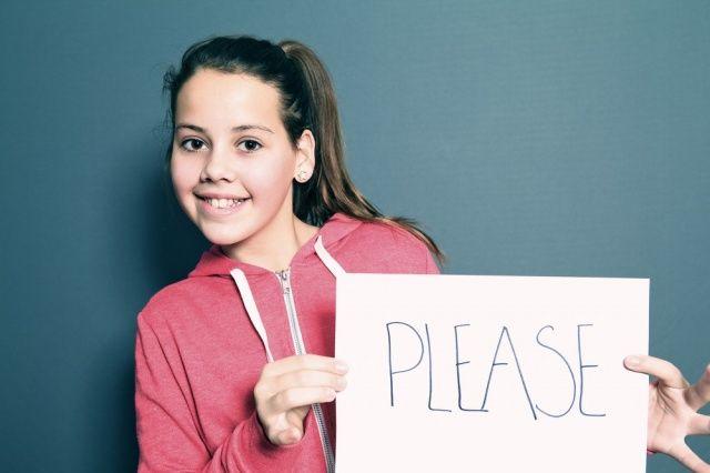 Menumbuhkan Sikap Sopan Pada Anak #GaleriAkal Untuk berbagi ide dan kreasi seru si Kecil lainnya, yuk kunjungi website Galeri Akal di www.galeriakal.com Mam!
