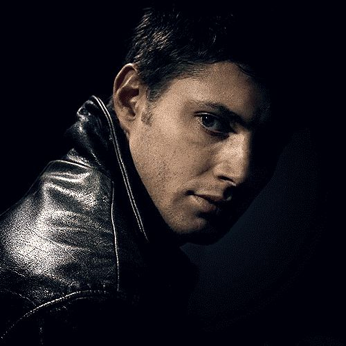 #DeanWinchester - Lord, help me! Eyebrows! And that wicked grin!   [GIF]