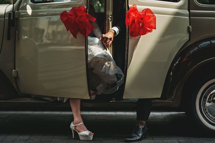 Car Wedding Photo