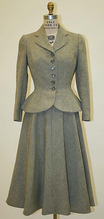 1952 Norman Norell Suit. I love the jacket details of suits from this time period