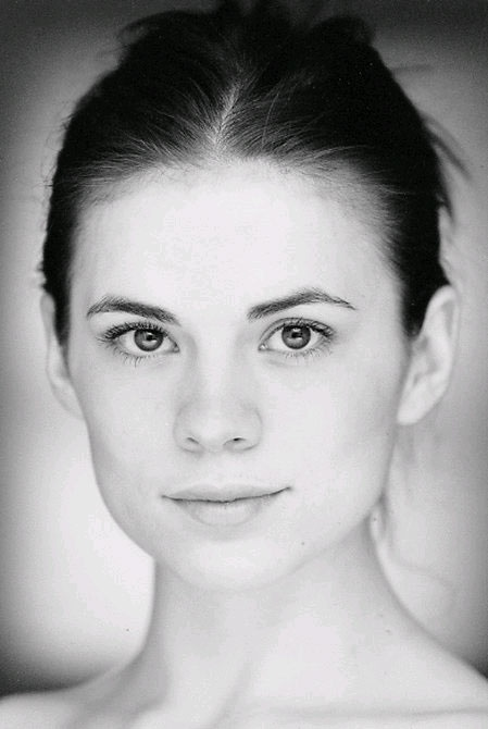 Hayley Atwell - I love it when women embrace their natural beauty!