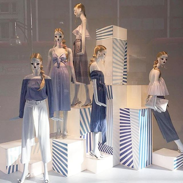"""ZARA,London,UK, """"BLUE....never looks like It's trying too hard.....It's understated cool"""", photo by The Displayer, pinned by Ton van der Veer"""