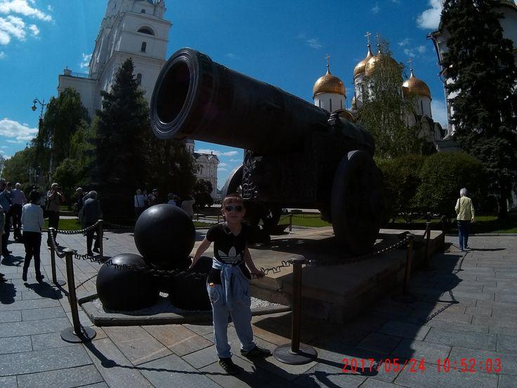 Кремль / Соборная площадь /Царь пушка https://www.youtube.com/watch?v=_uGTzQPcMeA