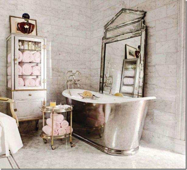 Pink and grey in the bathroom: Bathroom Design, Idea, Guest Bathroom, French Bathroom, Vintage Bathroom, Shabby Chic, Bathtubs, Dreams Bathroom, Towels