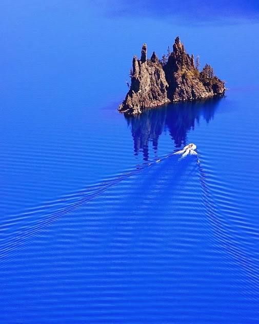 Amazing never ending blue in Crater Lake National Park, Oregon.
