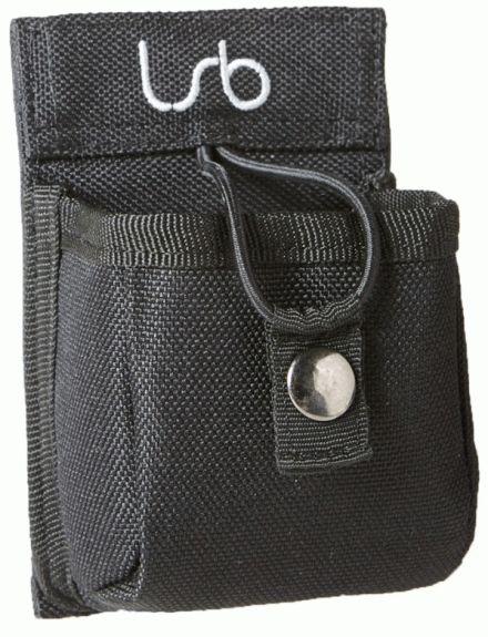 Esta bolsa asegura que su radio se quedará en su cinturón TODO el tiempo. Caben casi todos los radios de tamaño estándar (desde 9cm hasta 12cm de alto)