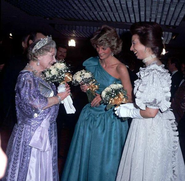 1985-03-18 Diana with Princess Anne and the Queen Mother at the Premiere of A Passage To India at the Odeon Cinema in Leicester Square