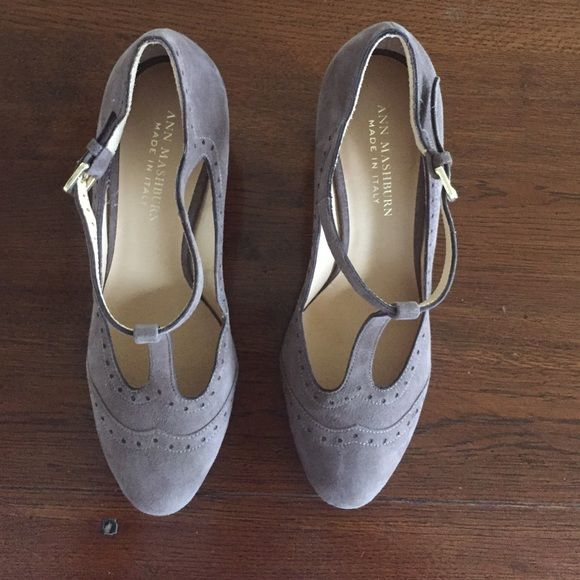 Ann Mashburn Italian shoes Never worn brown suede t-strap pumps. Run small would fit 9-9 1/2 Vero cuoio Shoes Heels