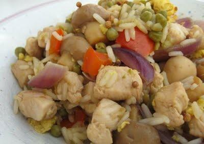 Gebratener Reis mit Hähnchenfleisch