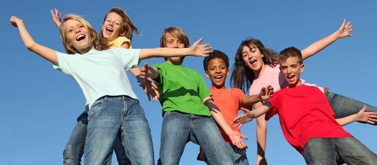 Voici une sélection de jeux pour ados. Tout comme les plus jeunes, les adolescents aiment s'amuser et rire par le jeu. Il faut juste trouver des jeux adaptés à leur âge. C'est le but de la liste ci-dessous, une liste de jeux (intérieurs, extérieurs…) pour les jeunes de 12 à 18 ans…  Liste desLire la suite