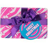 Un coffret cadeau de chez Lush (boutique de cosmétique frais fait main), boutique à Nantes - par exemple : Sweet Christmas (23.95€), Hello Gorgeous (39.95€) ou autre !