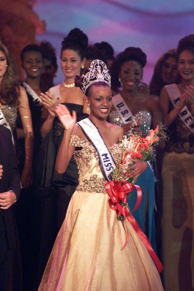 Mpule Kwelagobe (Botswana): Miss Universe 1999